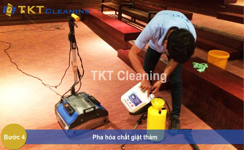Step 4 - washing carpet cleaning with detergent