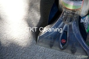giat-tham-hoi-nuoc-nong-trich-ly (2)-tkt-cleaning