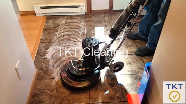 vệ sinh đường ron sàn gạch sử dụng máy công nghiệp