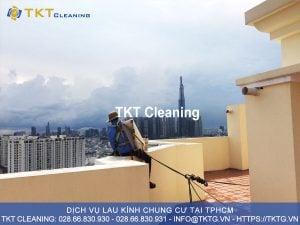 dịch vụ vệ sinh lau kính chung cư HCM - TKT Cleaning