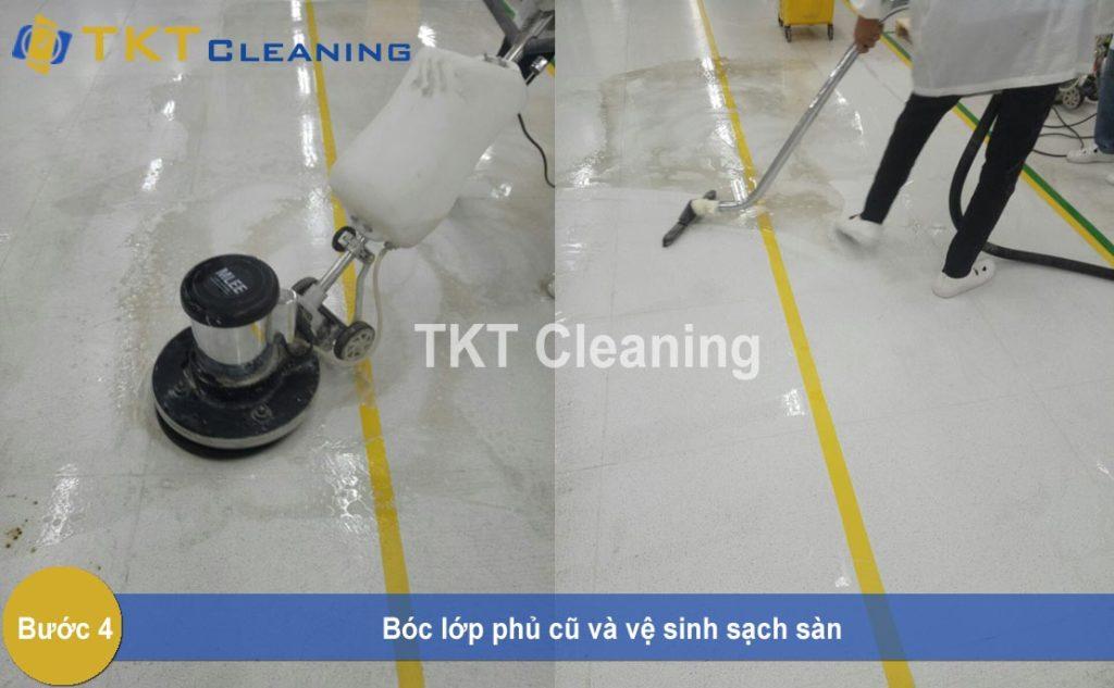 Bước 4: bóc lớp phủ cũ vệ sinh sạch sàn
