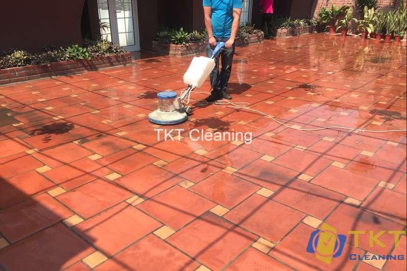 Dịch vụ vệ sinh sàn gạch tàu