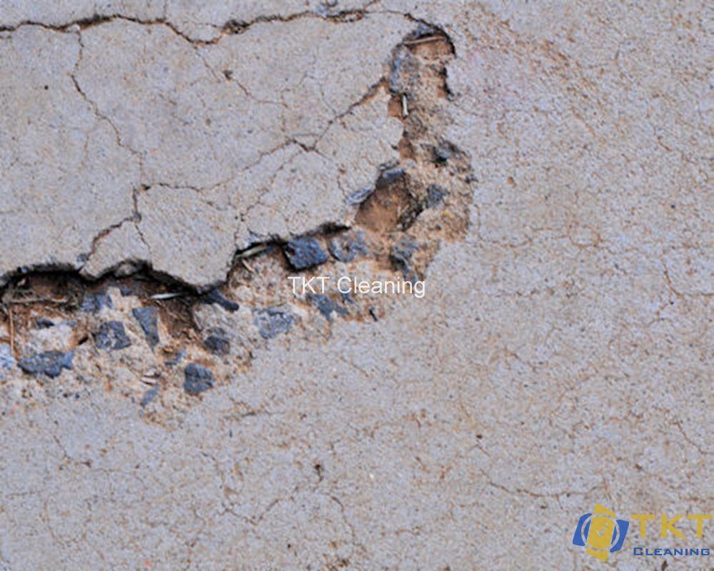 lỗi nặng bất thường trên bề mặt nền bê tông