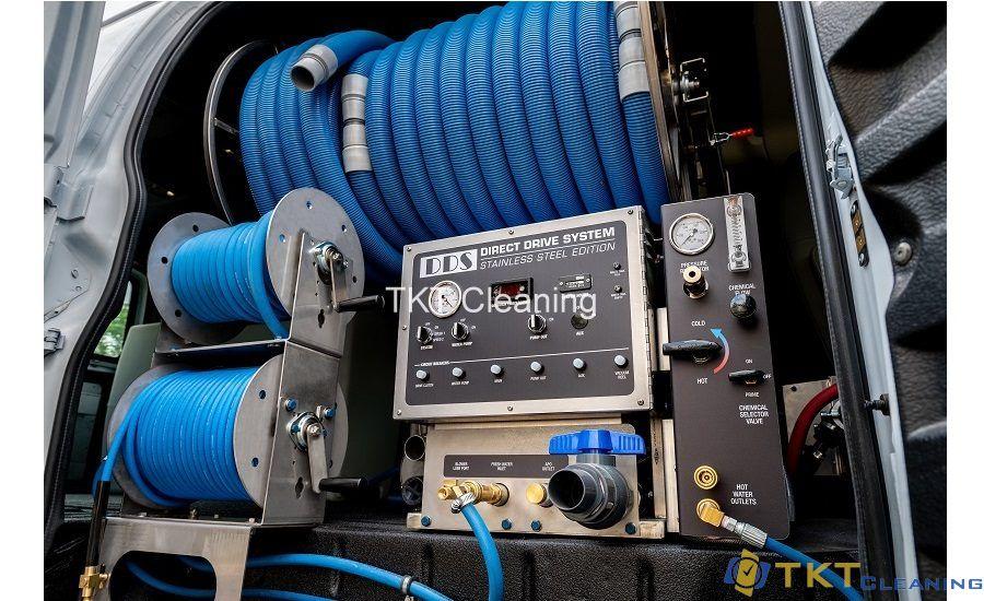 Máy giặt thảm phun hút công suất lớn đặt trên xe tải